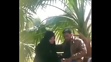 Muslim girl giving blowjob and handjob in a park