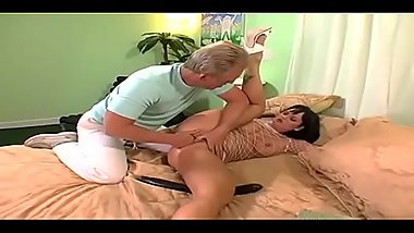Kami Andrews fucked by oldman on bed