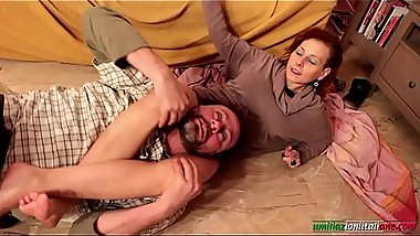 Amanda VS Ale - Mature Headscissor Female Domination