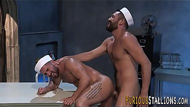 Navy hunk blows big cock