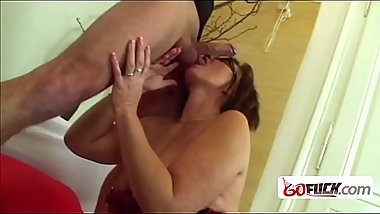 Smoking hot babe banged by neighbor