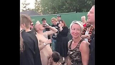 blowjob at concert