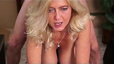 MILF Gives Smoking Blow Job Before Getting Fucked Ending w Facial-Smokes w/Cum on Face