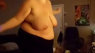 Fat wife playing just dance - CassianoBR