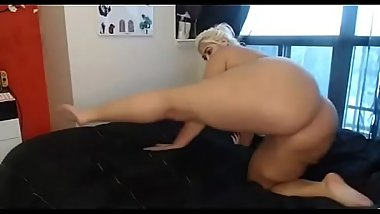Thick woman teases fat ass
