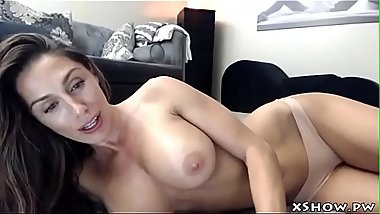 Gorgeous Wet Mommy Cumming On Live Webcam